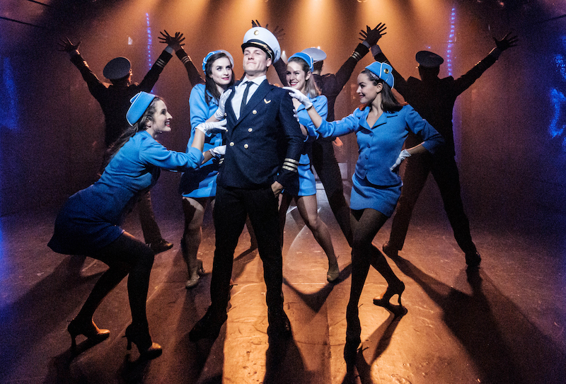 BWW REVIEW: The Musical Adaptation Frank Abagnale Jr's Life Comes To Hayes Theatre With the Wonderfully Vibrant CATCH ME IF YOU CAN